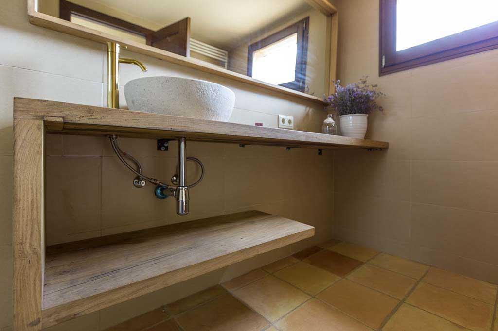 Lo natural tambi n triunfa en el lavabo vivestudio reformas e interiorismo en barcelona - Encimeras de microcemento ...