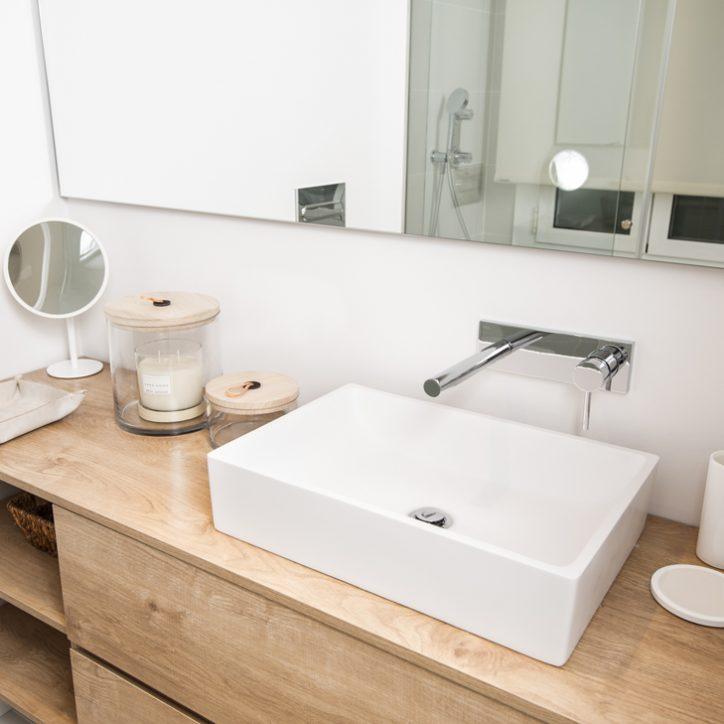 Mueble bano lavabo piedra madera 13 vivestudio reformas for Mueble bano sin lavabo