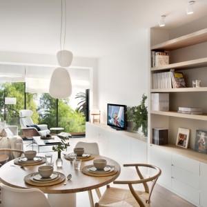 Reformas integrales de pisos en sants estudio de - Salon piso pequeno ...
