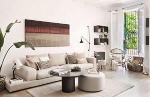 decoración de un salón con muebles de diseño